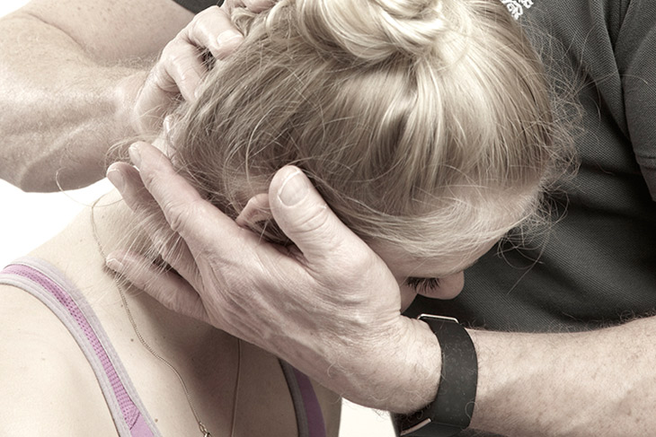 untersuchung mediziner arm orthopädie